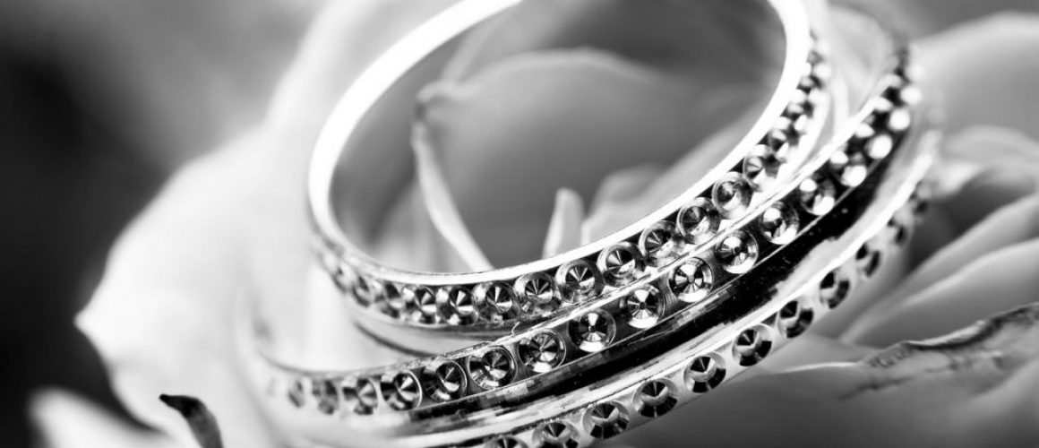 black-and-white-close-up-jewellery-jewelry-265906