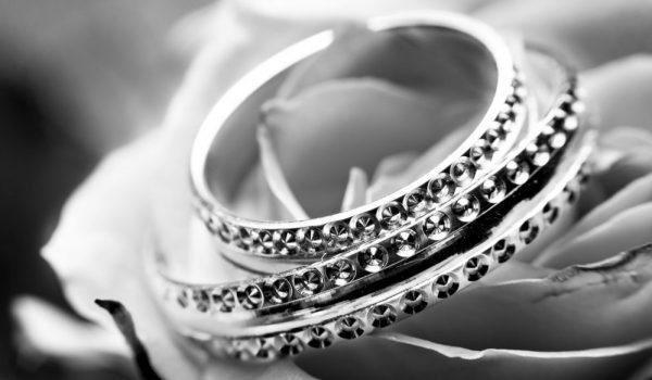 black-and-white-close-up-jewellery-jewelry-265906